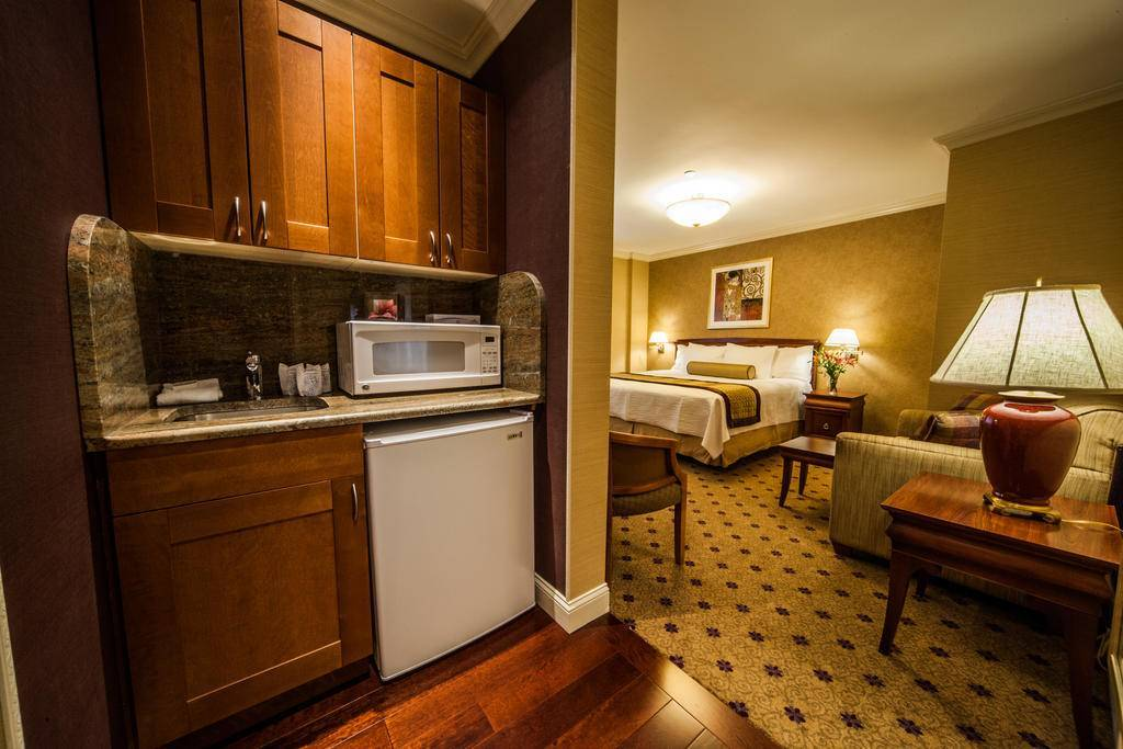 wellington hotel new york review by eurocheapo. Black Bedroom Furniture Sets. Home Design Ideas